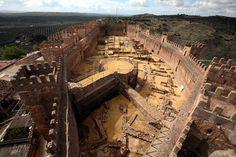 Recinto amurallado Castillo de Baños de la Encina #Jaén #Andalucía