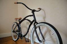 Custom Beach Cruiser, Beach Cruiser Bikes, Beach Cruisers, Cruiser Bicycle, Lowrider Bike, Bicycle Pedals, Low Rider, Bike Style, Vintage Bikes