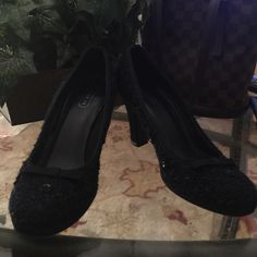 Coach heels size 8 navy blue In great condition size 8 Coach Shoes Heels
