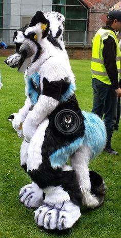 I LOVE these built-in speaker fursuits! Genius!