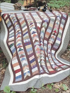 Flying Geese Strippy -quite simple but effective unisex quilt design, and willgo with just about any coloue scheme, too! Bed Quilt Patterns, Block Patterns, Traditional Quilt Patterns, Flying Geese Quilt, Plaid Quilt, Scrappy Quilts, Patchwork Quilting, Quilting Tips, Quilting Projects