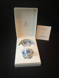 Meissen Tasse mit Untertasse . 250 jahre Meissener Zwiebelmuster. Originalbox