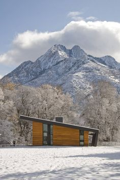 Pasture Project by Imbue Design. Tour this incredible modern home in Utah situated on a pristine pasture with an inspiring view of Mount Olympus as a backdrop. Architecture Résidentielle, Installation Architecture, Scandinavian Architecture, Sustainable Architecture, Shed Roof, Bungalows, Cabana, Places To Visit, House Design