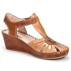 0bccb55074f2e Kick up your heels in the Pikolinos Margarita 7618 wedge sandal. This  women s closed-