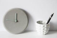 Minimalistische DIY Beton Uhr selbstgemacht