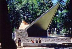 Concha Acustica. Este lugar fue construido en 1959 por el arquitecto Alejandro Zohn para albergar en un solo espacio espectáculos y naturaleza,