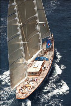 Classic Sailing Yacht Under Sail Classic Sailing, Classic Yachts, Catamaran, Naval, Sailing Adventures, Yacht Boat, Motor Yacht, Sail Away, Speed Boats