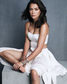 Emmy-Winning ORPHAN BLACK Star Tatiana Maslany Mesmerizes In New Photoshoot