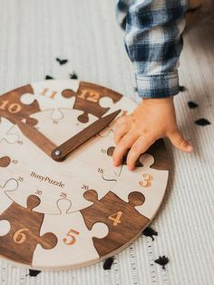 New Baby Gifts, Gifts For Boys, Creative Christmas Presents, Toddler Clock, Learning Time Clock, Scandinavian Kids Rooms, Wooden Clock, Montessori Toys, Wooden Hand