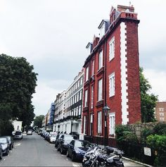 This London home gives new meaning to close quarters.