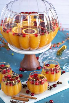 holiday drinks The ultimate champagne punch recipe, this Sparkling Spiced Pumpkin Punch is perfect for all your holiday celebrations. Serve at Halloween, Thanksgiving, Christmas and everything in between. A festive cocktail recipe for pumpkin lovers! Pumpkin Recipes, Spiced Pumpkin, Fall Recipes, Pumpkin Spice, Holiday Recipes, Fall Punch Recipes, Pumpkin Puree, Thanksgiving Drinks, Fall Drinks