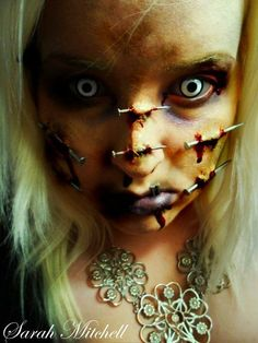 Darkladys Horror Halloween Page Costume Halloween, Looks Halloween, Halloween Horror, Halloween Face Makeup, Halloween Pics, Creepy Halloween, Horror Makeup, Zombie Makeup, Scary Makeup