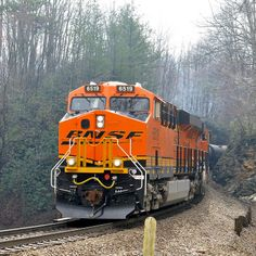 Crossing Mill Creek Road - BNSF visitor to the Old Fort Loops stick to 15 mph retarding a string of ethanol tanks down the east face of the Blue Ridge. Diesel Locomotive, Steam Locomotive, By Train, Train Tracks, Gi Joe, Train Clipart, Old Steam Train, Bnsf Railway, Railroad Companies