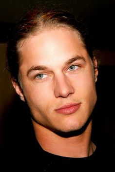 Travis Fimmel. How can someone be this freakin sexy. Good Gosh!