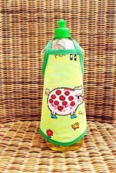 """♥♥ Spülischürze ♥♥      """"Schwein gehabt""""      ♥♥♥♥♥♥♥♥    super lustige Geschenkidee oder zum selber behalten.    einfach um die Flasche binden und ei"""