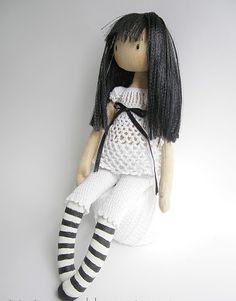 ''Ellie''. (Gorjuss Inspired Doll with Pattern). Go to: http://victoria-crane.blogspot.com