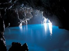 Grotto Azura, Italy. You have to be there to know why it is called one of the best and most beautiful caves of the world. The very name meaning blue Grotta suggests its specialty- the shining sunlight hits the salt water of the Mediterranean Sea and illuminates the cave with blue reflections. The life inside the cave is beyond ordinary and much bigger and exotic as in other sea caves.