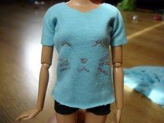 How To Make Barbie T-shirt - Tutorial - YouTube OMG soooo cute! Been looking for a good Barbie shirt tutorial!