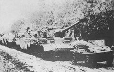 PzKpfw IV with the 2nd Tank Regiment after Romania joined the Russian forces against the Germans. Near Nagykaroly, Hungary in 1944 - World War II Vehicles