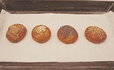 bretzel e laugenbrot. panini trentini buonissimi con pasta madre. pretzel