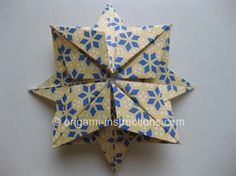 This is an elegant origami 8 pointed star that is perfect for the top of your origami christmas tree. Find out how to fold this beautiful origami star here. Origami Christmas Tree, Christmas Crafts, Origami Ornaments, Christmas Stars, Origami Design, Origami Paper Art, Paper Crafting, Origami 8 Pointed Star, Cork Crafts