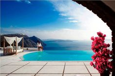 Passion For Luxury : Reasons to visit Santorini Greece Resorts, Greece Vacation, Santorini Hotels, Santorini Greece, Santorini Holidays, Honeymoon Spots, Best Spa, Top Destinations, Luxury Holidays