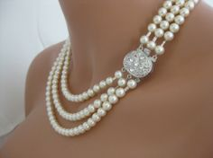 pearls and bling Pearl Jewelry, Wedding Jewelry, Jewelry Box, Pearl Necklace, Jewelry Accessories, Fashion Accessories, Jewelry Necklaces, Jewelry Design, Jewelry Making