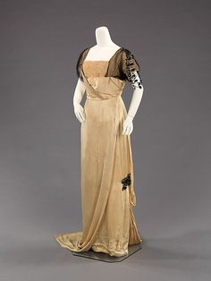 Evening dress (image 1) | House of Poiret | French | 1912-14 | silk | Brooklyn Museum Costume Collection at The Metropolitan Museum of Art | Accession Number: 2009.300.2503