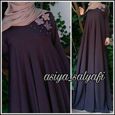 Abaya Fashion, Muslim Fashion, Modest Fashion, Fashion Dresses, Modest Dresses, Nice Dresses, Muslimah Clothing, Frock Models, Modele Hijab