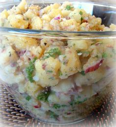 "Recipe for Authentic German Potato Salad - Bavarian Kartoffel Salat, from My ""Mutti"" she was from Bavaria. I'm being sincere, when I say that my Mutti's potato salad is the best I've ever tasted and it always sold out by lunch time. Hot Potato Salads, Potato Dishes, Potato Recipes, Ham Recipes, Authentic German Potato Salad, Austrian Potato Salad, German Potatoes, Oktoberfest Party, Good Food"