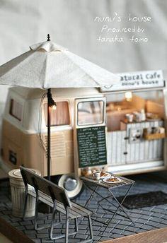 Nunu's House, mini VW Bus cafe'