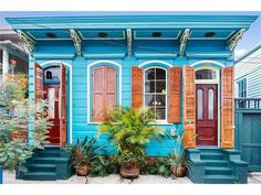 Historic homes for sale! Over 5000 fixer uppers, time capsules and restored historic homes. Exterior House Colors, Exterior Paint, New Orleans Architecture, Le Living, Creole Cottage, Historic Homes For Sale, Shotgun House, Old Cottage, Cottage Homes