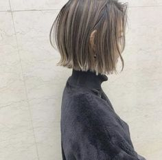 68 Bob Hairstyles for 2019 - Hairstyles Trends Short Hair With Bangs, Short Hair Cuts, Short Hair Styles, Bob Hairstyles For Fine Hair, Easy Hairstyles, Hight Light, Blunt Hair, Line Bob Haircut, Asymmetrical Bob Haircuts