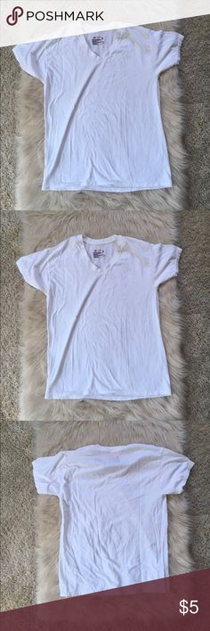 Hanes white tee Basic white tee shirt. In good condition only worn a few times. No rips stains or holes! Lots of life left. Hanes Shirts Tees - Short Sleeve