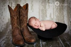 Baby Pictures Newborn Boy Country Hats 28 Ideas For 2019 Cowboy Baby, Newborn Cowboy, Cowboy Nursery, Baby Boy Pictures, Newborn Pictures, Newborn Pics, Boy Newborn, Infant Pictures, Toddler Photos