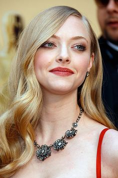 So, now that I am SO SURE Carey Mulligan is Laura, I can admit Amanda Seyfried…