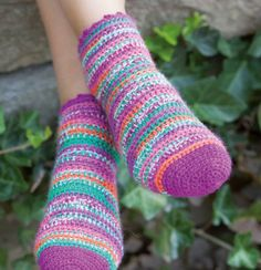 Yes, you can crochet socks! Use a variegated yarn such as Flotte Socke Mississippi, or in fact any of our Rellana sock knitting yarns in Easy pattern. Crochet Socks, Knitting Socks, Knit Crochet, Knitting Designs, Knitting Patterns, Crochet Patterns, Crochet Hook Sizes, Knitting For Beginners, Mississippi