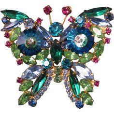 Vintage-Juliana-Multi-Colored-Margarita-Rhinestone-BUTTERFLY-Figural-Brooch-Pin