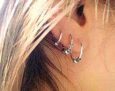 Bali hoop earrings, silver hoop earrings, Unisex earrings, H … – Piercings Helix Earrings, Bar Stud Earrings, Tribal Earrings, Cartilage Earrings, Silver Hoop Earrings, Crystal Earrings, Diamond Earrings, Flower Earrings, Creole Argent