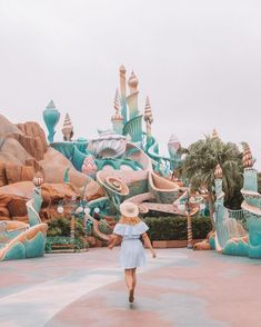 Mermaid Lagoon at Tokyo Disney Sea, this Disney park is amazing and so unique! I love all of the pastels too! Disney Dream, Disney Style, Disney Love, Disney Magic, Disney Trips, Disney Parks, Disney Pixar, Disney Park Secrets, Tokyo Disney Sea