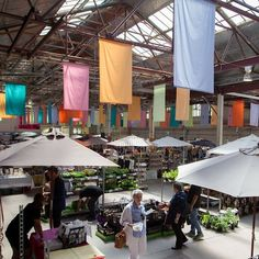 Embrace a Sunday tradition in Canberra and visit the Old Bus Depot Markets in Kingston. Pick up some breakfast, fresh produce, some fashion gems and local artwork while you explore the @oldbusdepotmarkets stalls. #visitcanberra
