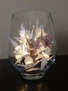 Cet ensemble de 20 Micro LED guirlande lumineuse (blanc chaud) sur le fil de cuivre argenté extra mince contient 10 grues en origami - 8 blanc et or rose 2. Couleurs personnalisées disponibles. 2 piles CR2032 requis et inclus, 3 pi (1m) pour la pièce de mariage ou de décorations de Table