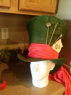easy to make top hat out of cardboard and wire! Finally, something fancy to wear to weddings!