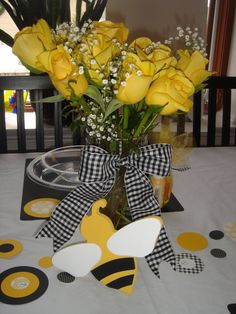 "Ashley's Modern Ideas: ""What Will It Bee?"" Baby Shower"