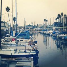 this looks like the newport harbor i drive by every day. love the boats.