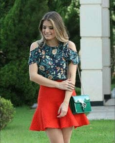 * saia vermelha * Blusa floral