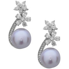 Pre-owned Stunning Floral South Sea Pearl Diamond Gold Dangle Earrings ($4,800) ❤ liked on Polyvore featuring jewelry, earrings, dangle earrings, gold jewelry, 18k earrings, gold diamond earrings and gold dangle earrings