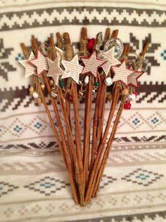 Mos Nicolae 2015 cinnamon sticks decor Handmade Christmas Tree, Christmas Stuff, Christmas Home, Christmas Crafts, Christmas Tables, Christmas Centerpieces, Xmas Decorations, Craft Stick Crafts, Diy And Crafts