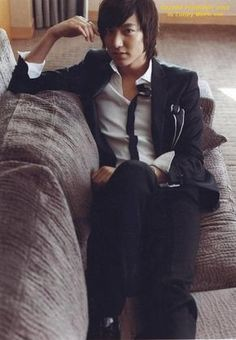 Lee Min Ho's And his sexy hands