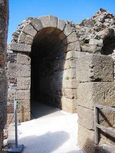 Vomitorio. Teatro. Siglo I dc. Conjunto Arqueológico de Baelo Claudia. Bolonia. Cádiz